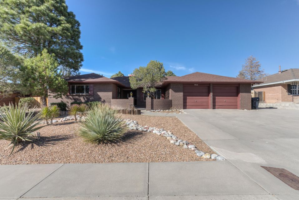 7513 Lamplighter Lane NE, Albuquerque, NM 87109