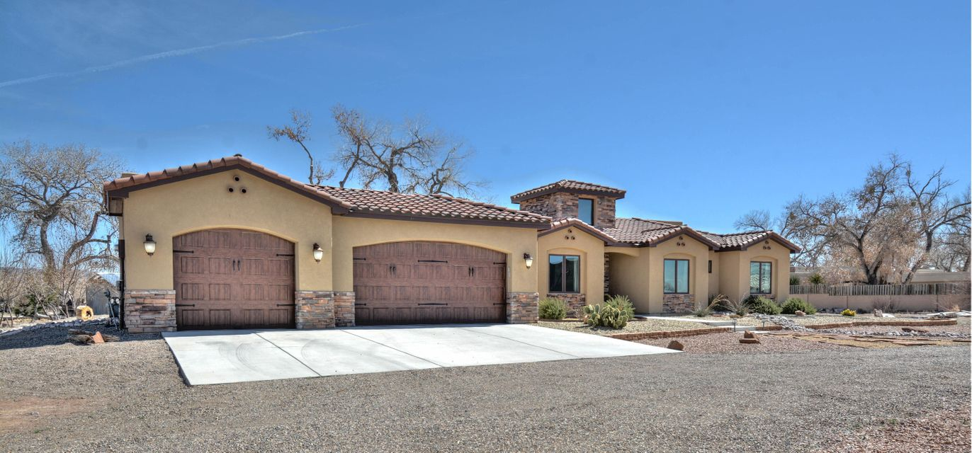 814 Sandoval Lane, Bernalillo, NM 87004