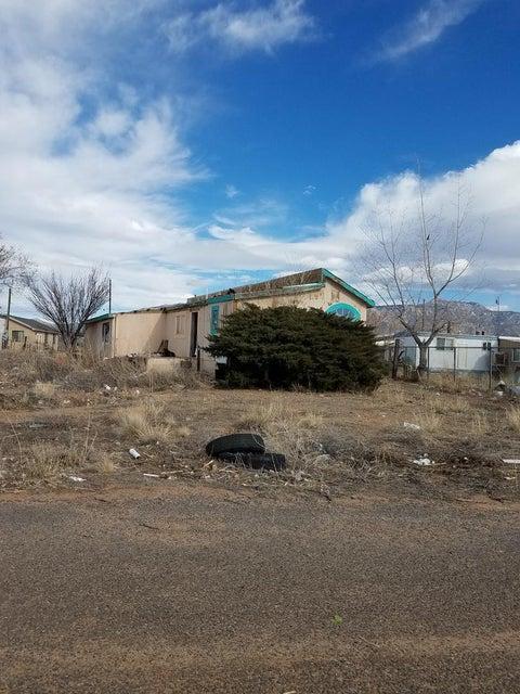 9 Peak Road, Los Lunas, NM 87031