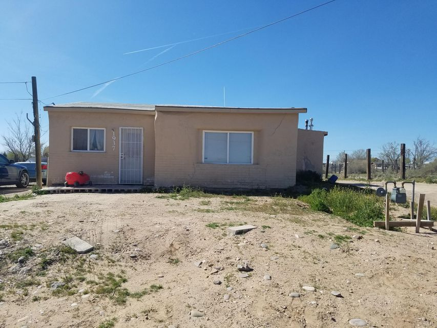 1937 Foothill Drive SW, Albuquerque, NM 87105
