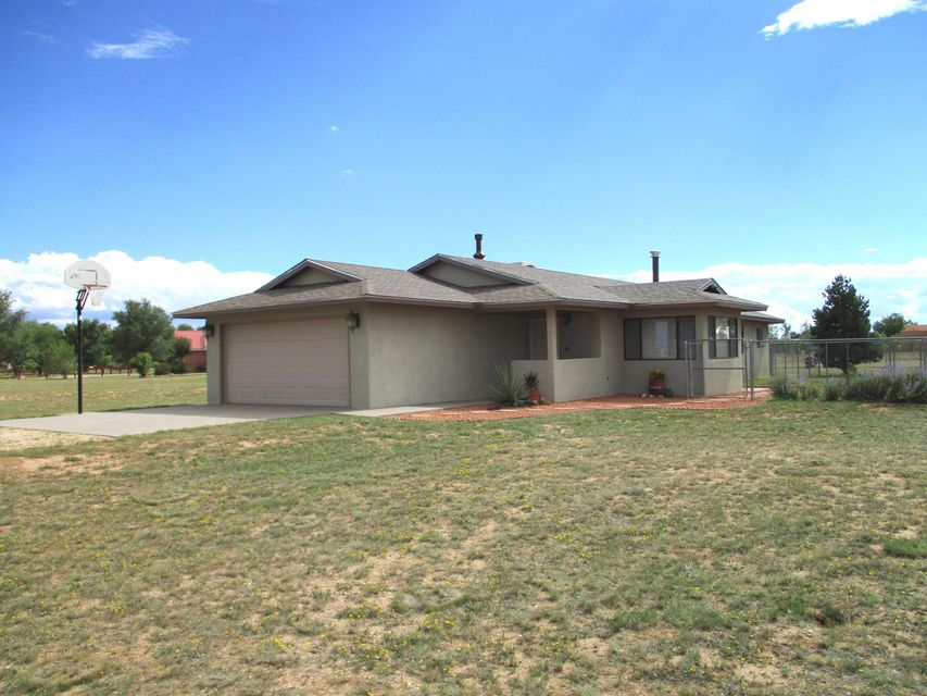 28 Homestead Drive, Moriarty, NM 87035