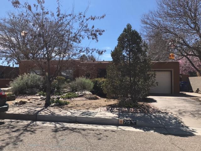 719 Morningside Drive NE, Albuquerque, NM 87110