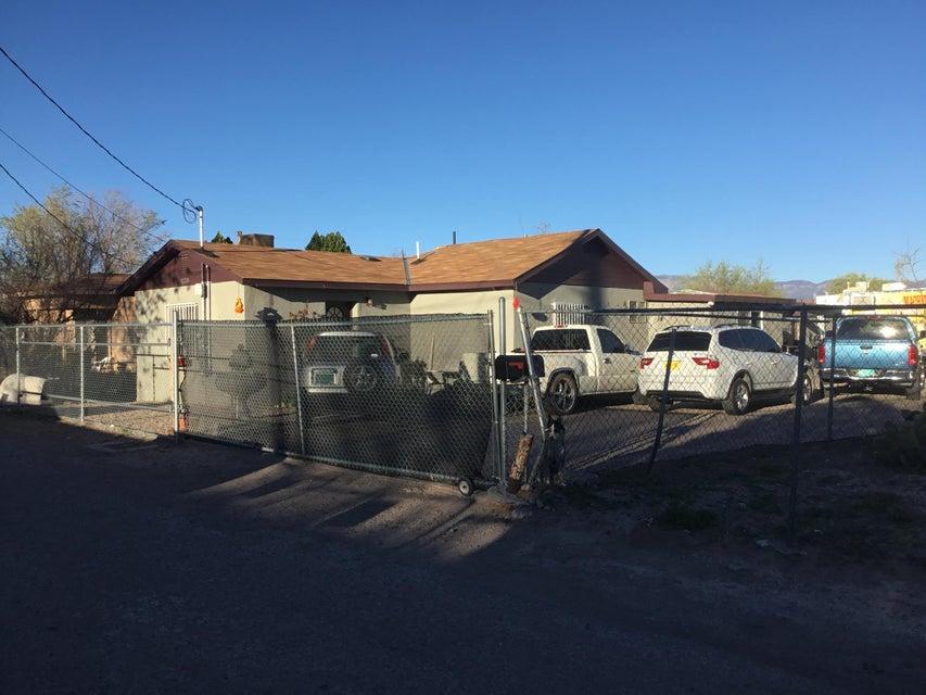1220 San Antonio Street NW, Albuquerque, NM 87104