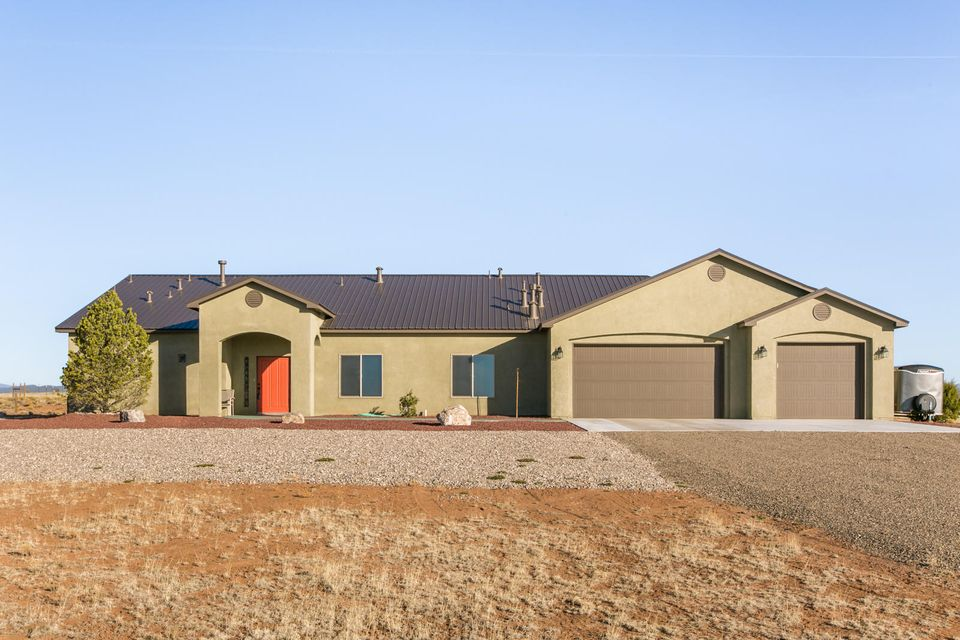 1 Evening Star Place, Edgewood, NM 87015