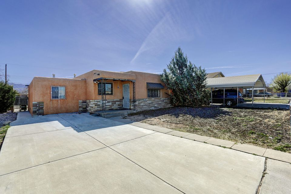2634 Graceland Drive NE, Albuquerque, NM 87110