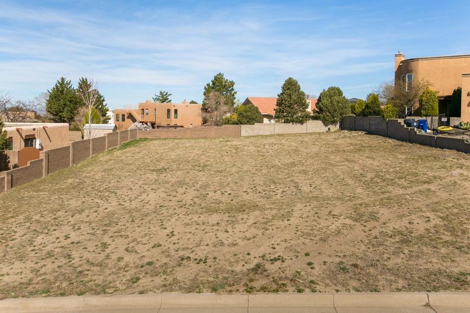 13245 Bellamah Avenue NE, Albuquerque, NM 87112