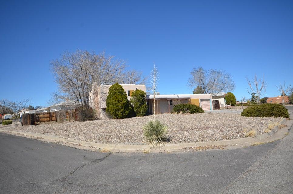 4608 Los Reyes Road SE, Rio Rancho, NM 87124