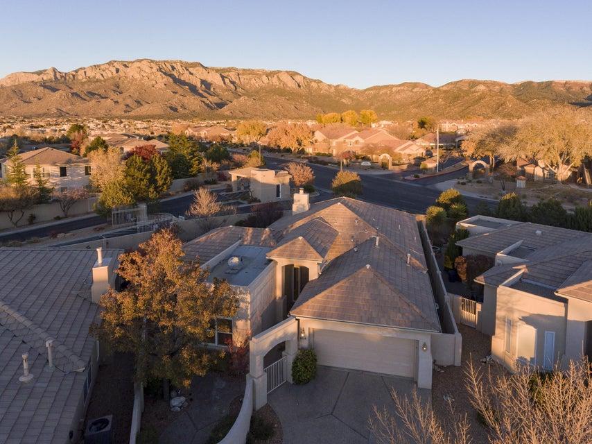 6024 Purple Aster Lane NE, Albuquerque, NM 87111