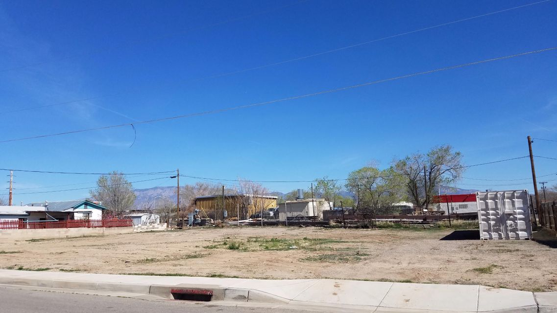 2900 3rd Street NW, Albuquerque, NM 87107