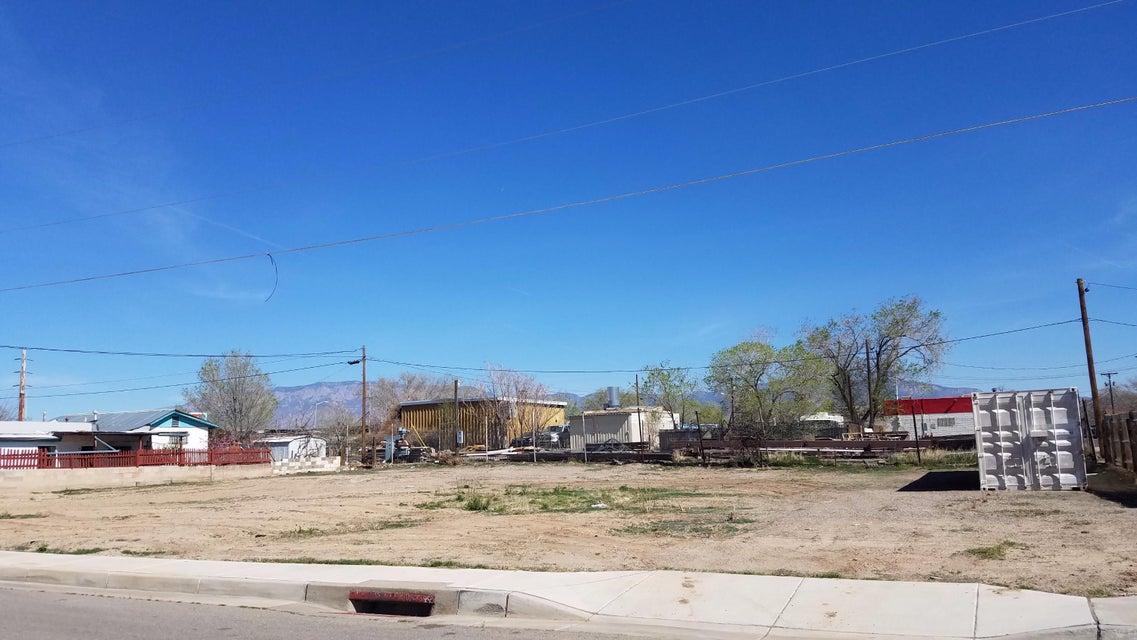2908 3rd Street NW, Albuquerque, NM 87107
