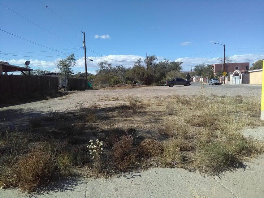 532 Ethlyn Avenue SE, Albuquerque, NM 87102