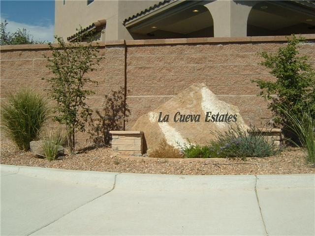 9204 NE La Tierra Court NE, Albuquerque, NM 87122