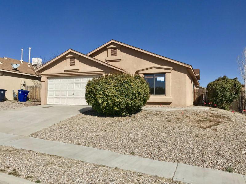 11015 Connemara Drive SW, Albuquerque, NM 87121