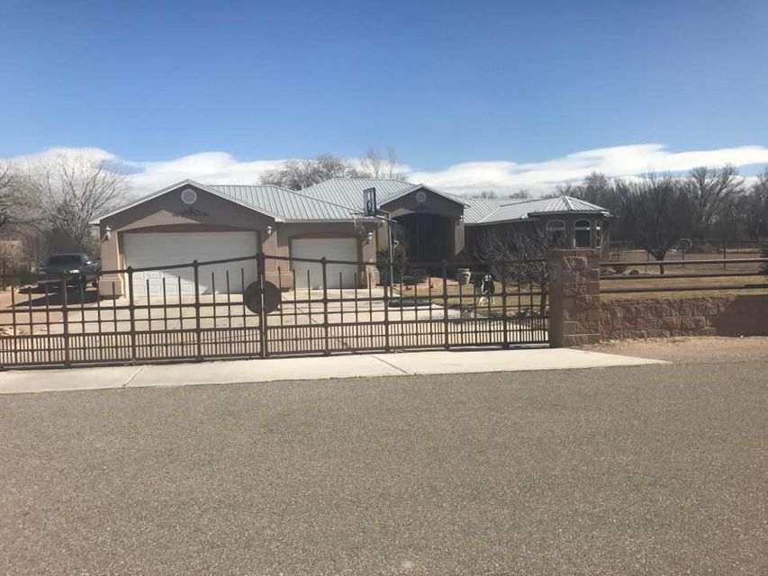 5842 SW Pajarito Meadow SW, Albuquerque, NM 87105