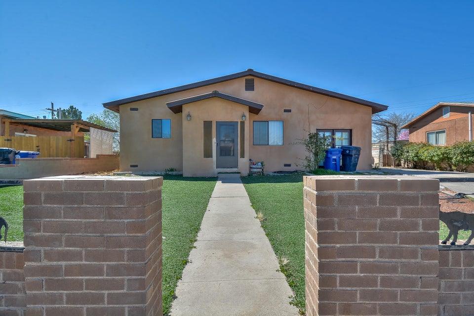 2220 Frederick Place NW, Albuquerque, NM 87104