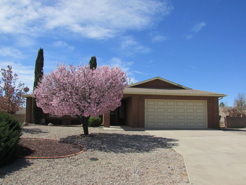2565 Twin Buttes Drive NE, Rio Rancho, NM 87144