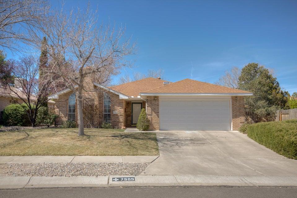 7505 Calyx Drive NW, Albuquerque, NM 87120