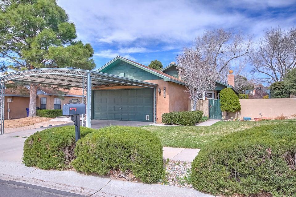 10905 Haines Avenue NE, Albuquerque, NM 87112