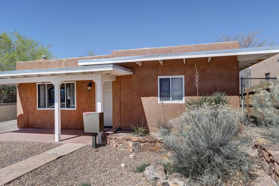 2731 Kathryn Avenue SE, Albuquerque, NM 87106
