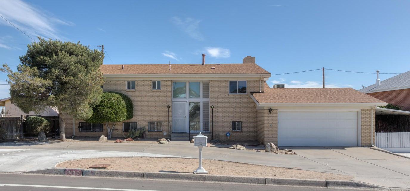 1032 Atrisco Drive NW, Albuquerque, NM 87105