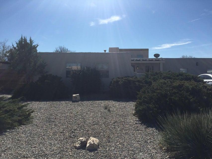 612 Oreja De Oro Drive SE, Rio Rancho, NM 87124