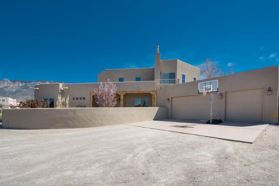 9520 Elena Drive NE, Albuquerque, NM 87122