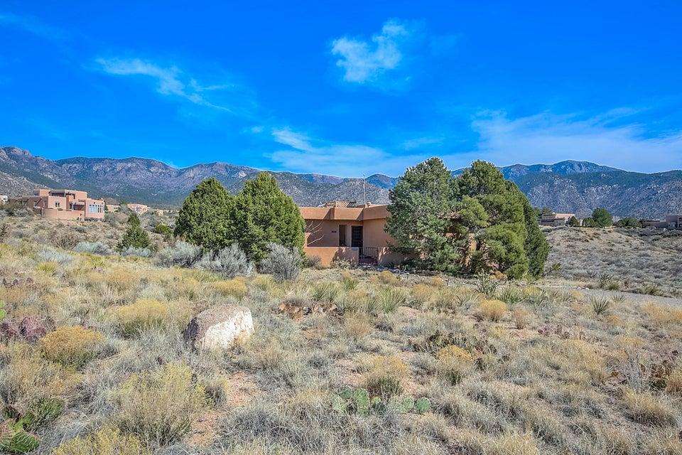 1241 Rockrose Road NE, Albuquerque, NM 87122