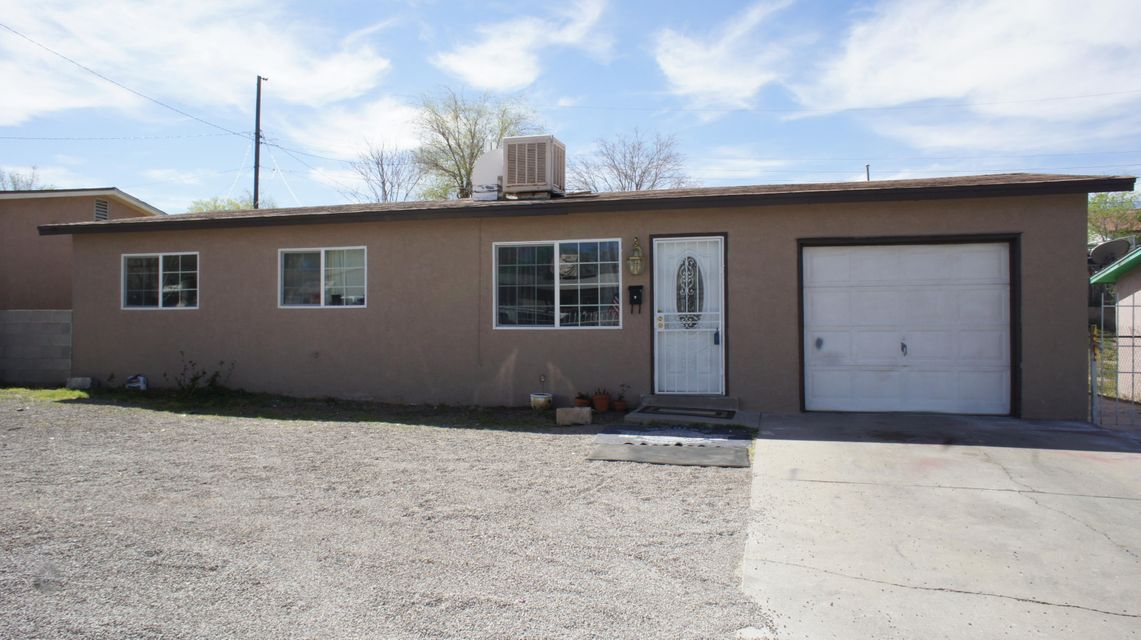 1724 Spence Avenue SE, Albuquerque, NM 87106