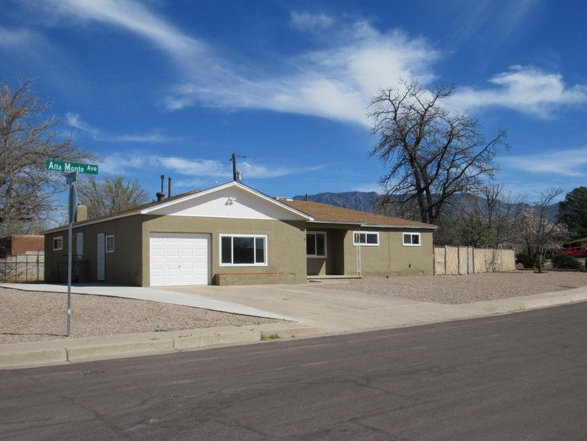 9401 Alta Monte Avenue NE, Albuquerque, NM 87111