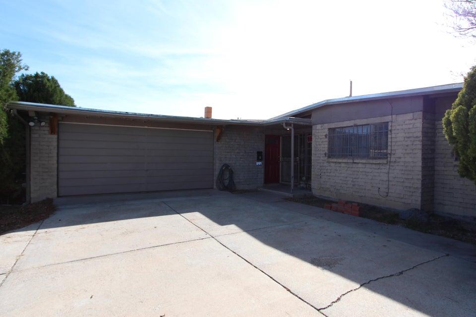 1821 Blume Street NE, Albuquerque, NM 87112