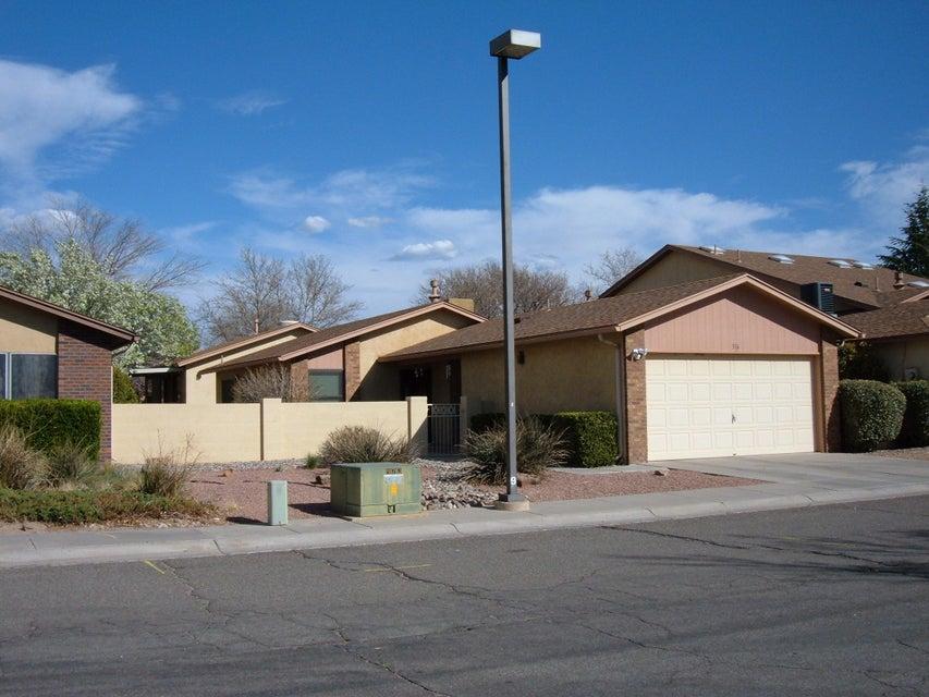 316 Palmer Park Drive NE, Albuquerque, NM 87123