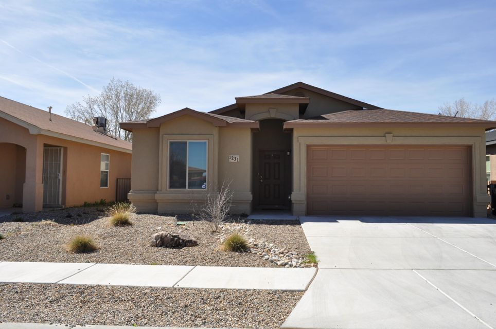 1231 Telstar Loop NW, Albuquerque, NM 87121