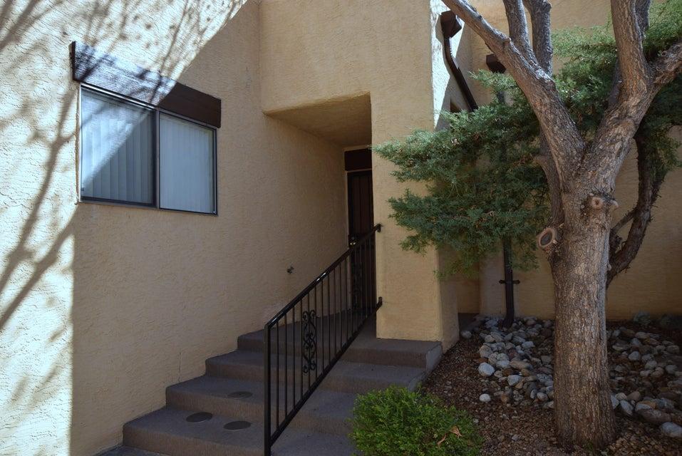 6536 Monte Serrano NE, Albuquerque, NM 87111