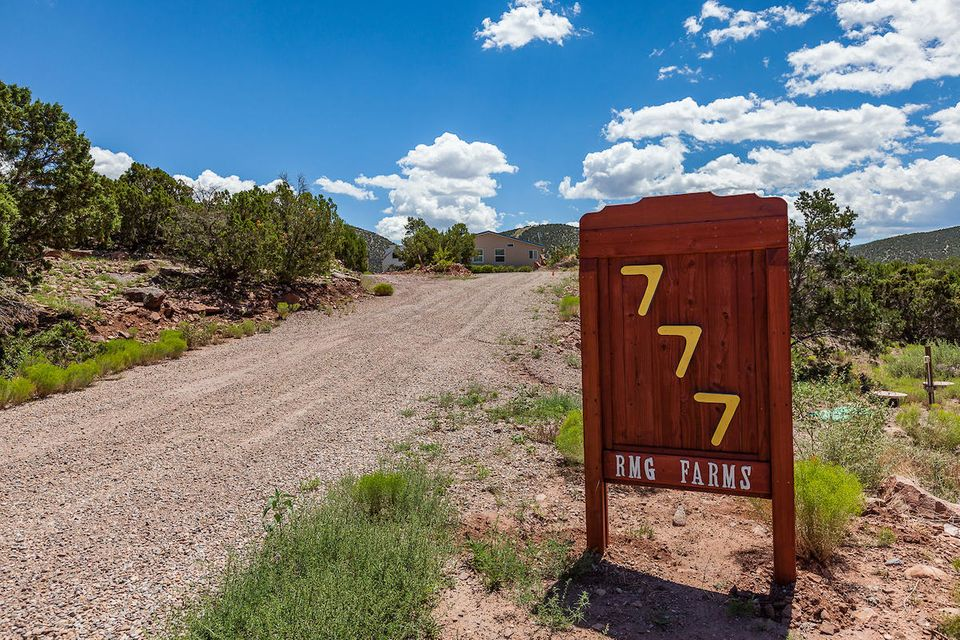 777 State Highway 165, Placitas, NM 87043