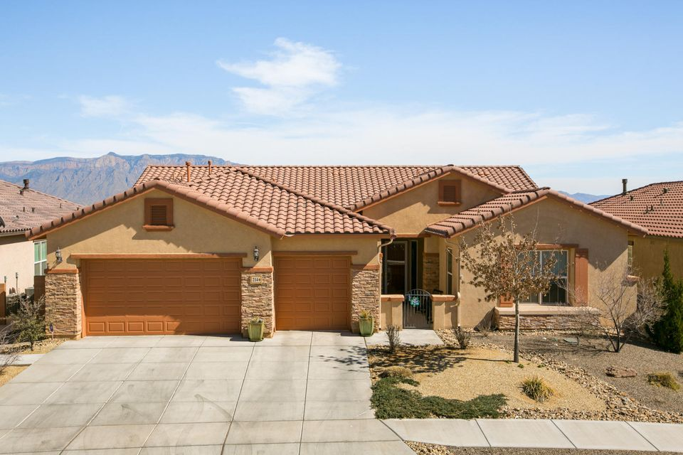 214 Vista Borde Drive NE, Rio Rancho, NM 87124