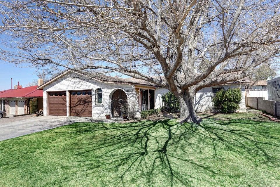 6625 Esther Avenue NE, Albuquerque, NM 87109