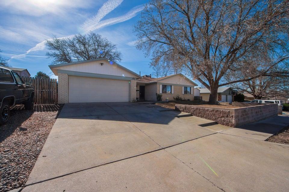 3224 Lucerne Street NE, Albuquerque, NM 87111