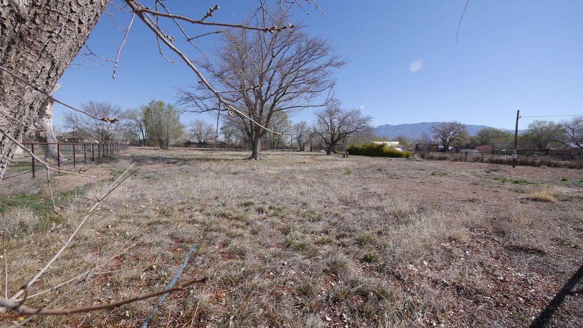 9139 Guadalupe Trail NW, Albuquerque, NM 87114