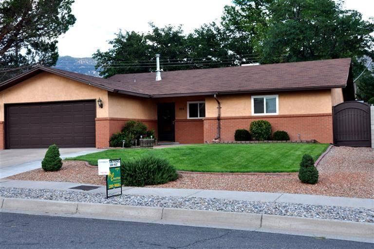 808 NE Marie Park Drive NE, Albuquerque, NM 87123