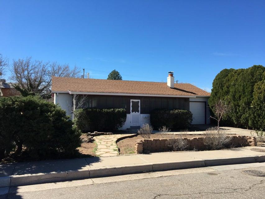 2440 Pueblo Bonito Court NW, Albuquerque, NM 87104