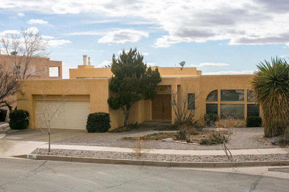 915 Piedra Larga Place NE, Albuquerque, NM 87123