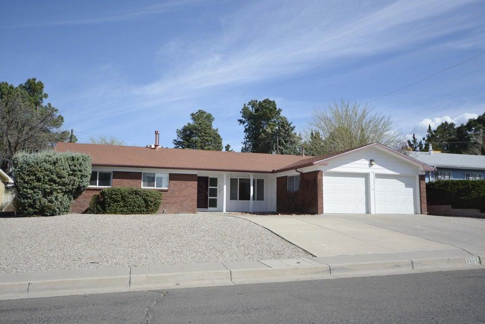 12207 Sierra Grande Avenue NE, Albuquerque, NM 87112