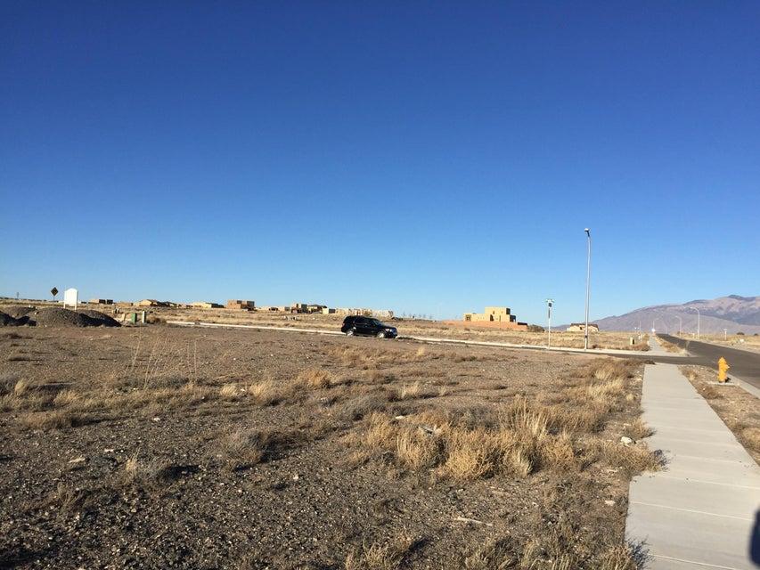 Pato (L32,B6,U18,VC) Road NW, Albuquerque, NM 87120