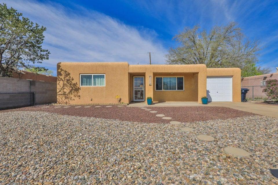 5305 Grande Drive NW, Albuquerque, NM 87107