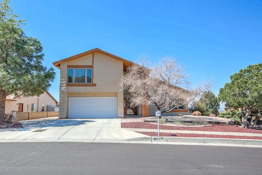 731 Vista Abajo Drive NE, Albuquerque, NM 87123