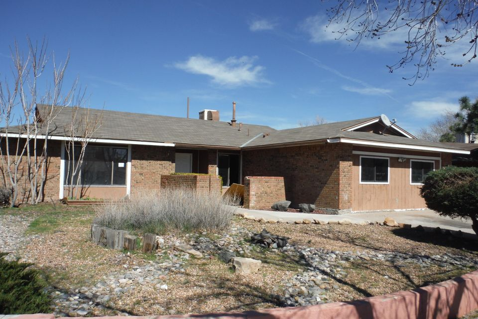 5428 Mariposa Drive NW, Albuquerque, NM 87120