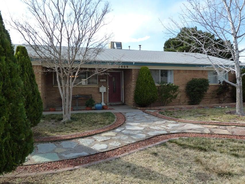2909 Florida Street NE, Albuquerque, NM 87110