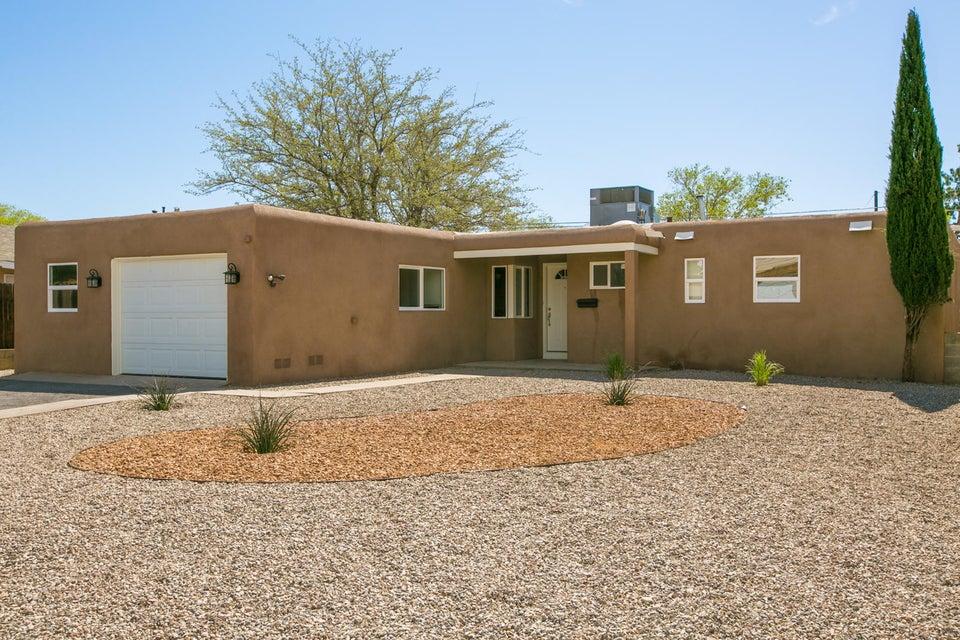 10812 Snowheights Boulevard NE, Albuquerque, NM 87112