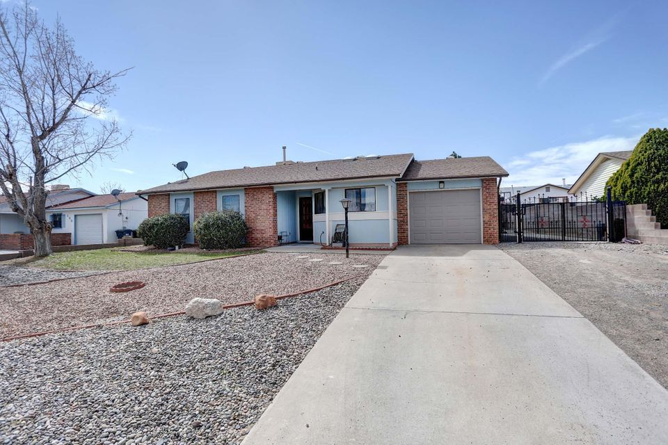 136 Pumice Loop NE, Rio Rancho, NM 87124