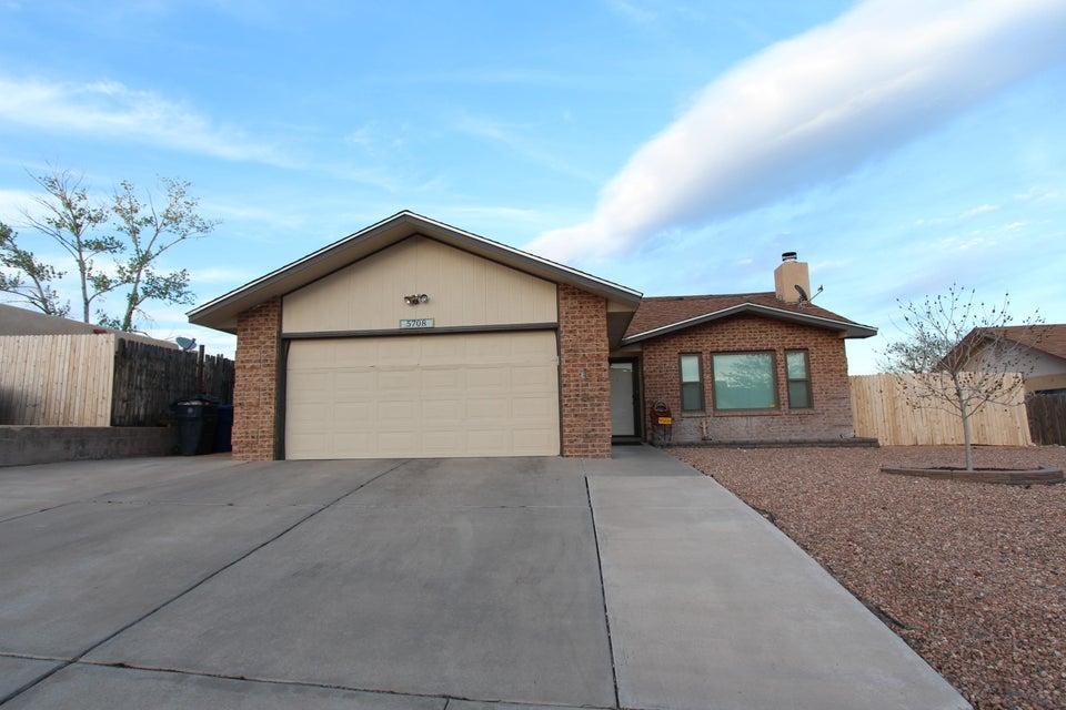 5708 Carrick Street NW, Albuquerque, NM 87120